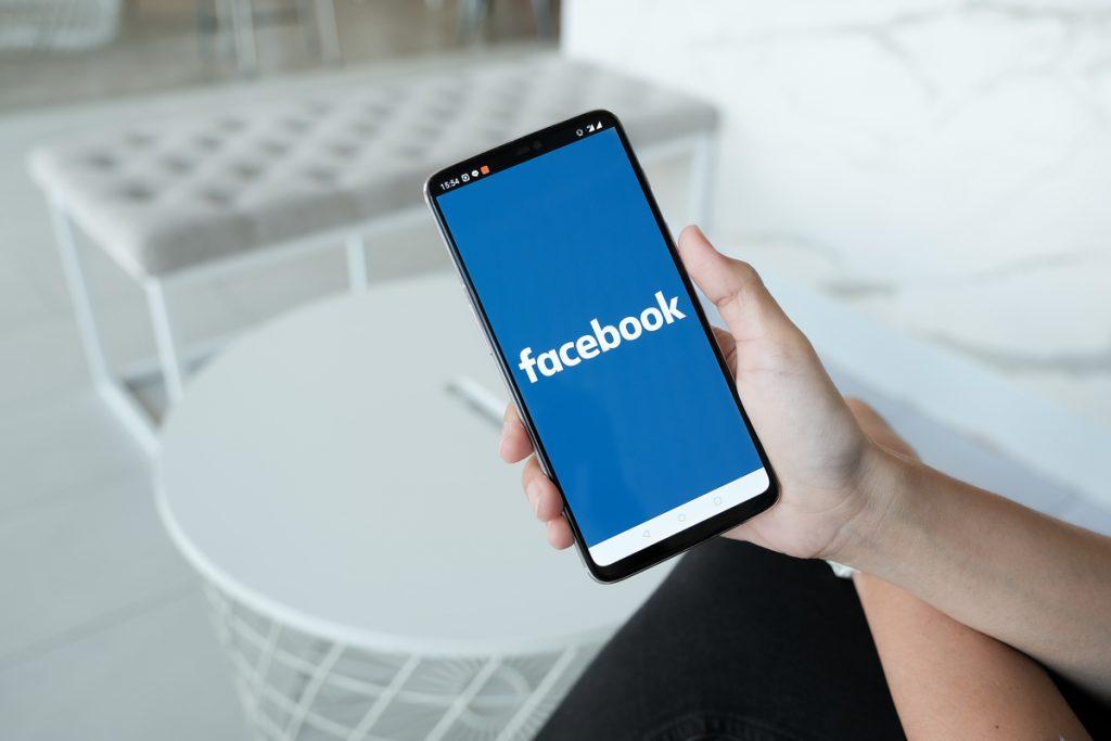 Facebook como medio publicitario